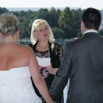 jacqui performs wedding ceremonies outdoors