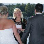 jacqui performs wedding ceremonies outdoors